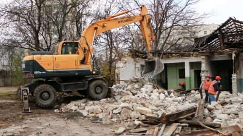 ForPost- В Севастополе на месте притона появится корпус начальной школы