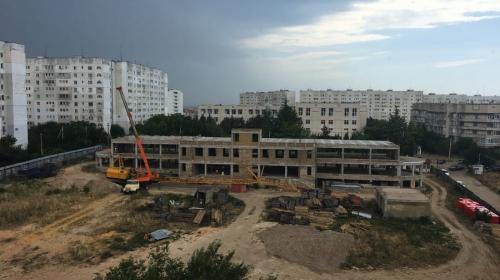 ForPost- В Севастополе вместо недостроенного ТЦ построят поликлинику
