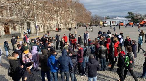 ForPost - Telegram-каналы сообщили о задержаниях на несанкционированной акции в Севастополе