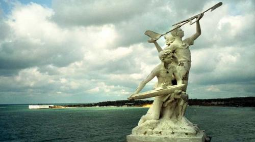 ForPost- В центр Севастополя хотят вернуть скульптурную группу «Пионерия»
