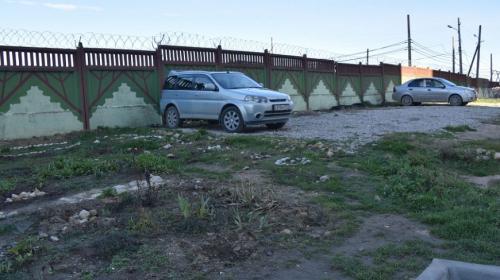 ForPost- В Севастополе тушат соседский конфликт из-за клумбы и парковки