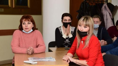 ForPost- Крымские предприниматели отстояли места торговли на рынке