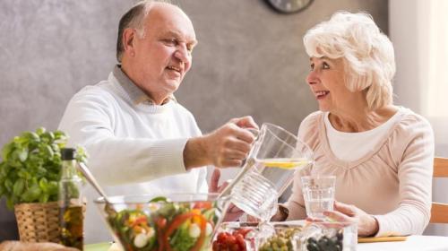 ForPost - Врач назвал возраст, после наступления которого худеть вредно для здоровья