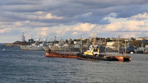 ForPost- В Севастополе ищут способ решить вечную проблему кораблей и моряков