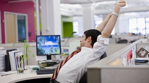 ForPost - Большинство работодателей не знают, что делать с «выходными от Путина»