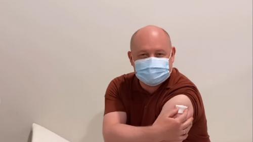 ForPost- Губернатор Севастополя сделал вторую прививку от коронавируса