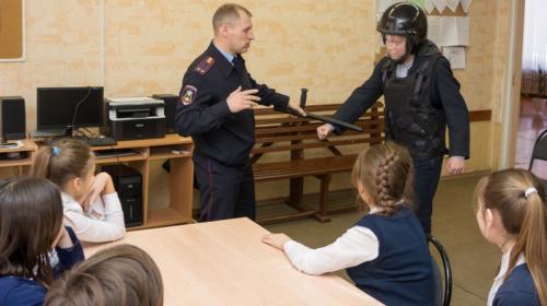 ForPost - В крымских школах ужесточат пропускной режим после «колумбайна» в Казани