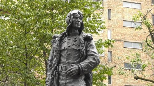 ForPost - «Провожать его вышли все»: человеку, защищавшему Севастополь с воздуха, исполнилось 110 лет