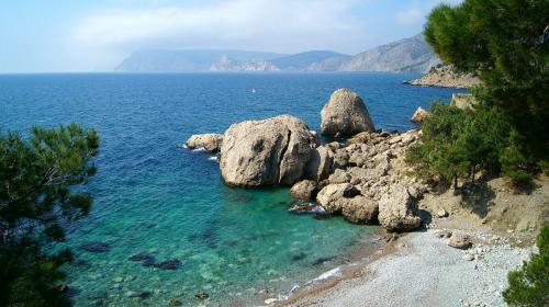 ForPost - В Севастополе желающим предлагают купить водопады и пляж на Инжире