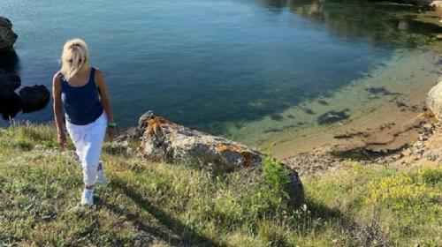ForPost- Певица Алена Свиридова показала свою дачу в Крыму