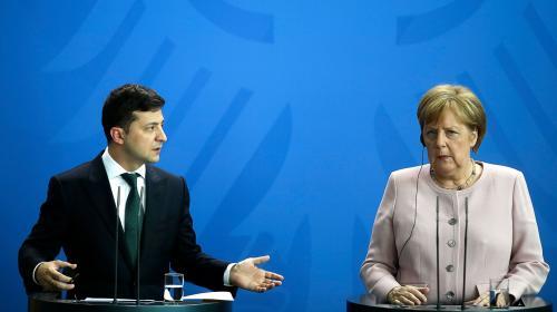 ForPost - Зеленский призвал Германию предоставить Украине оборонительное оружие