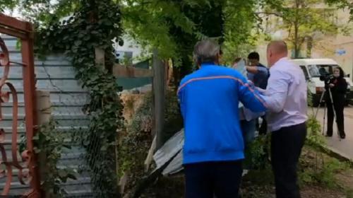 ForPost- Хозяину незаконного забора в Севастополе грозит суд