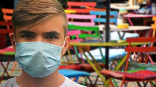 ForPost- Все вакцинированы? Ковид-безопасные рестораны Севастополя хотят пометить