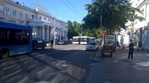 ForPost- Центр Севастополя парализован из-за автомобильной аварии