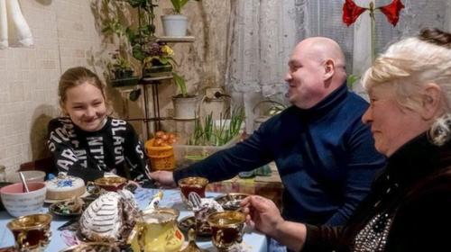ForPost- Виновные в изъятии из семьи севастопольской девочки Алины понесли наказание