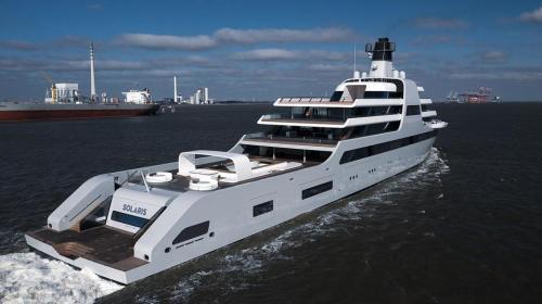 ForPost- Появились первые фотографии гигантской «тайной» яхты Абрамовича