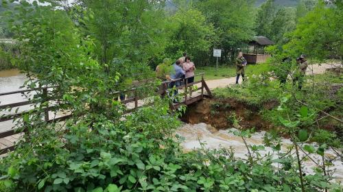 ForPost - Разлив на Тороповой даче оставил оползни и следы селей