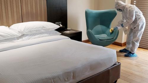 ForPost- В Севастополе теперь нельзя селиться в отель без антител
