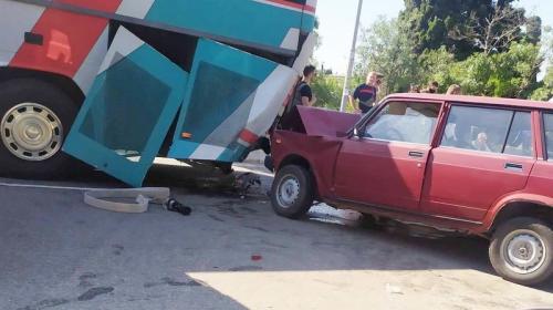 ForPost- Один человек стал жертвой столкновения автомобиля с рейсовым автобусом в Крыму
