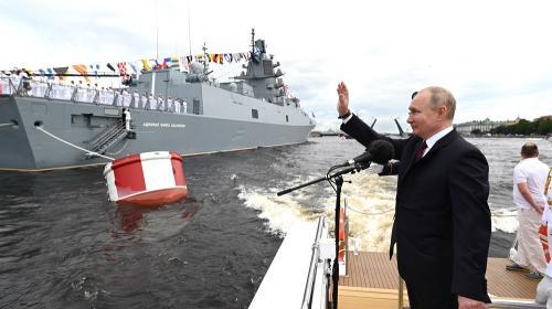ForPost- «У нас есть силы стереть Россию»: на Западе обсуждают выступление Путина в День ВМФ
