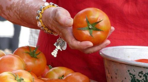 ForPost- Массовую драку со стрельбой устроили продавцы овощей и ягод