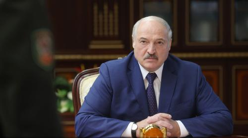 ForPost- «За картоху переживает»: Лукашенко закрывает границы, чтобы не впускать мигрантов обратно из Литвы