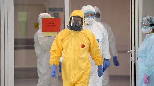 ForPost- Медикам разрешили снять противочумные костюмы в «красных зонах»