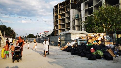 ForPost- СевСети #1290. Негостеприимный Севастополь, аргументы таксистов и самокаты на мусорке