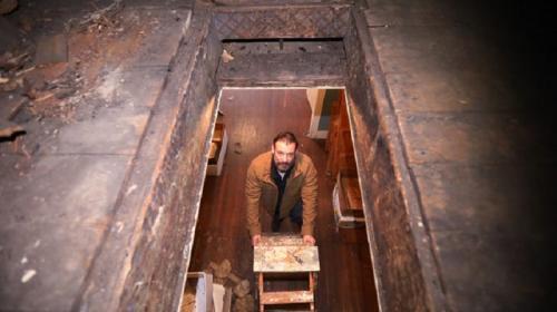 ForPost- Мужчина случайно нашёл в своём доме чердак с ценностями на миллионы рублей