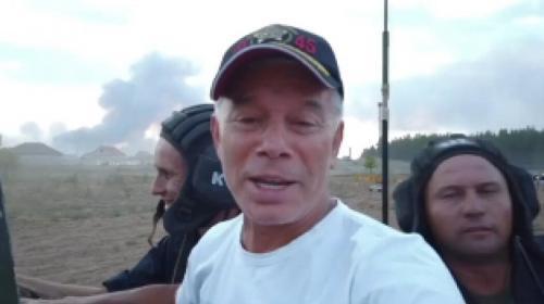 ForPost- Газманов весело прокатился на танке на фоне горящего села. Видео