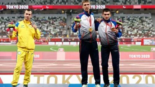 ForPost - Украинский паралимпиец Цветов отказался от совместного фото с российскими легкоатлетами на пьедестале Игр-2020
