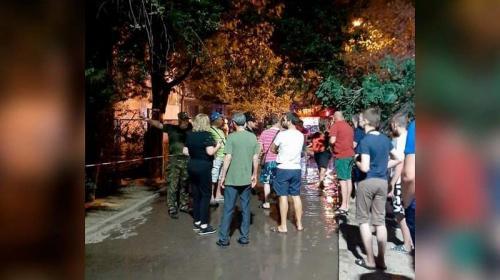 ForPost- В Ялте полицейский спас из огня мужчину и женщину