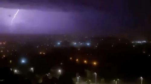 ForPost- Ночная гроза в Севастополе устроила горожанам неприятные сюрпризы