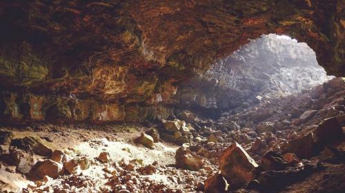 ForPost- Крымский спелеолог наткнулся в глубине пещеры на труп туриста