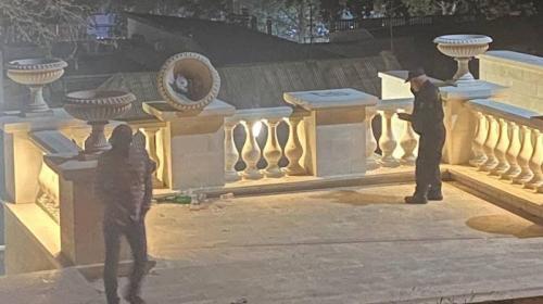 ForPost - На День города в Керчи неизвестные устроили разгром на Малой Митридатской лестнице