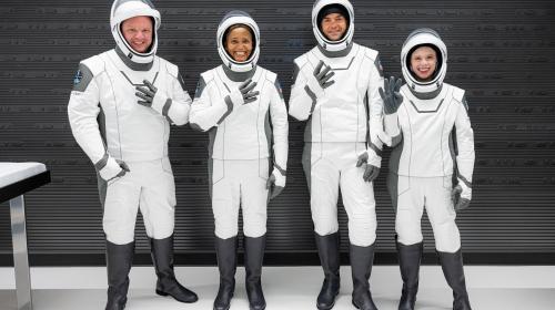 ForPost- Первый коммерческий рейс в космос SpaceX помог побить мировой рекорд. Видео