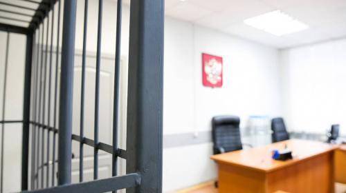 ForPost - Суд арестовал на 10 суток подругу пранкера, устроившего вульгарную съемку у храма в Москве