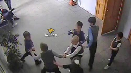 ForPost - Старшеклассники сломали позвоночник восьмилетнему ребенку в российской школе