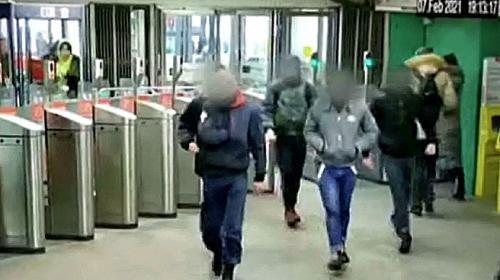 ForPost - Житель Дагестана объяснил, почему его «тихий мальчик» жестоко избил парня в метро