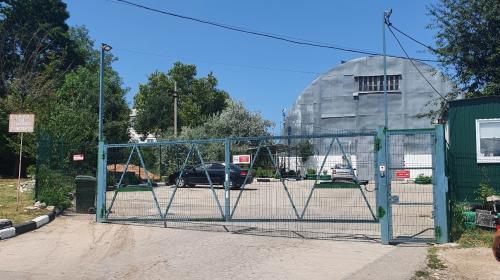 ForPost - В Севастополе снесут самовольный забор и КПП