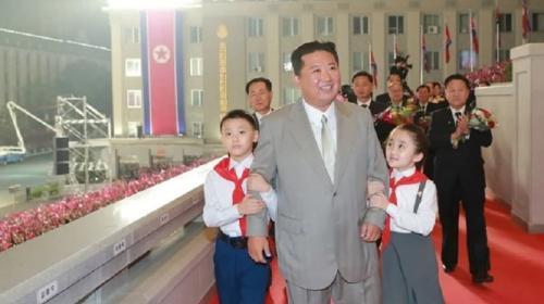 ForPost - На Ким Чен Ына подали в суд из-за «рая на Земле»