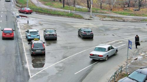 ForPost- В России могут запретить остановку транспорта на