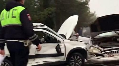ForPost- В Крыму водитель и медик скорой пострадали в двух ДТП на одном месте