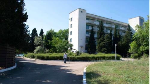 ForPost- «Дачу командующего» в севастопольской бухте Омега построят заново