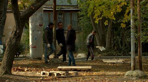 ForPost- Жители Севастополя добились пешеходной зоны и парковки в своём дворе