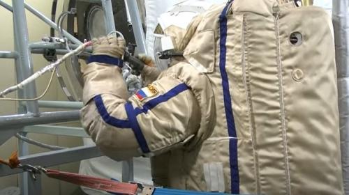 ForPost- Появилось видео, как российские космонавты тренируются высаживаться на Луну