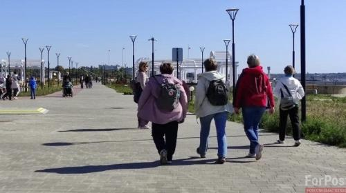 ForPost - На новой набережной в Крыму людям приходится справлять нужду в кустах