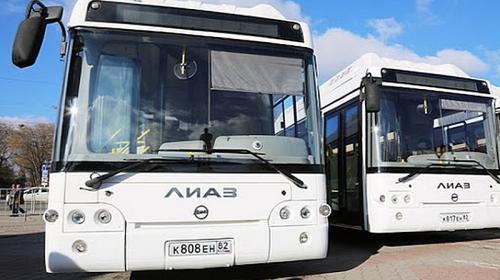 ForPost- Более 40 новых автобусов по-прежнему не могут выйти на улицы столицы Крыма