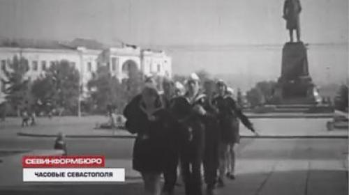 ForPost- 45 лет школьники Севастополя несут Вахту памяти в почетном карауле на Посту № 1