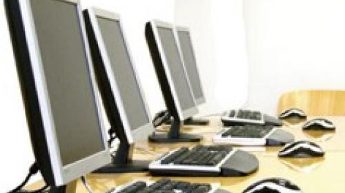 ForPost - В.Саратов пообещал, что компьютеры получат севастопольские больницы, а не чиновники